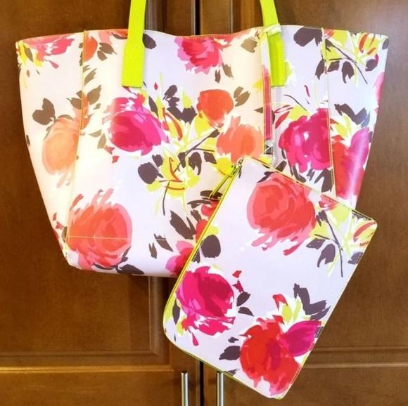 Tommy Bahama Handbags - Tommy Bahama Floral Tote Bag & Wristlet NEW